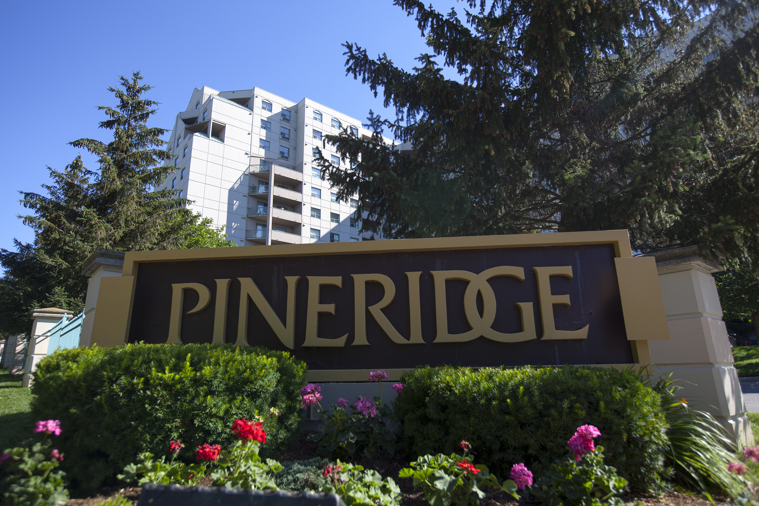Pineridge Place